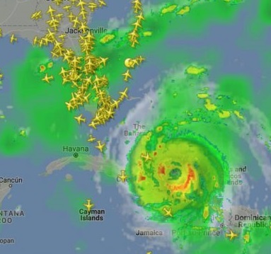 flight-radar-shows-the-mass-influx-and-exit-before-irma-1024x635.jpg
